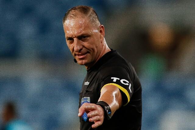 Néstor Pitana, en Brasil contra Colombia