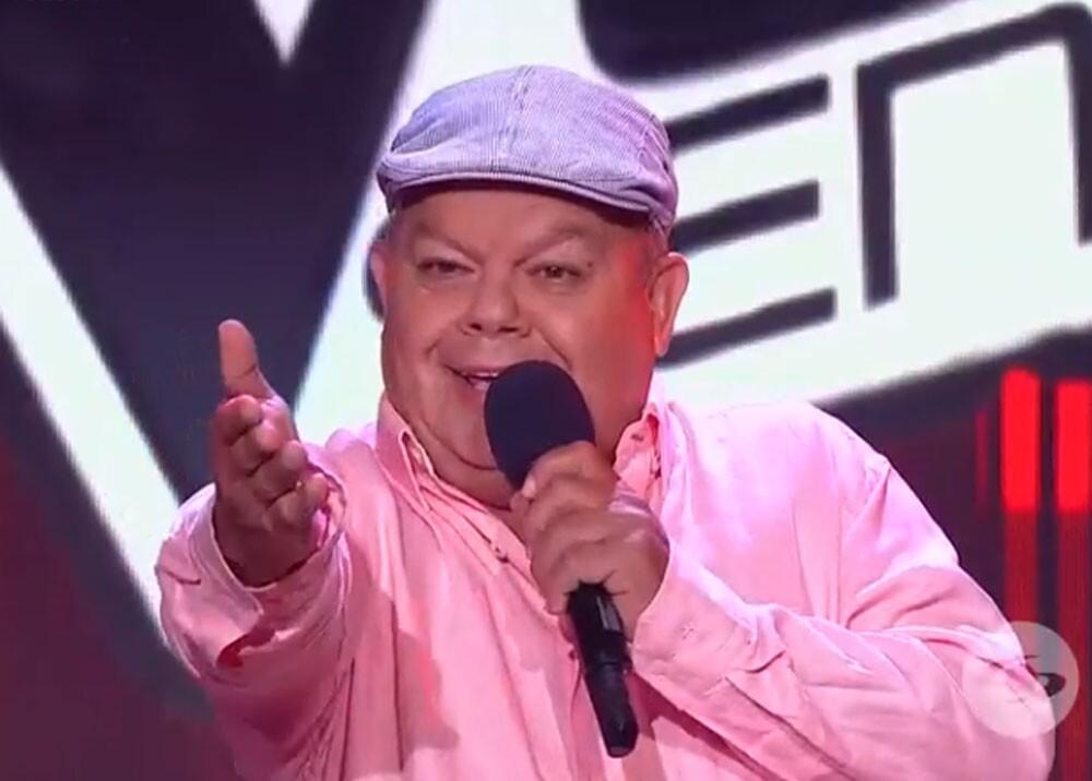 Carlos alberto giraldo en la voz senior.jpg