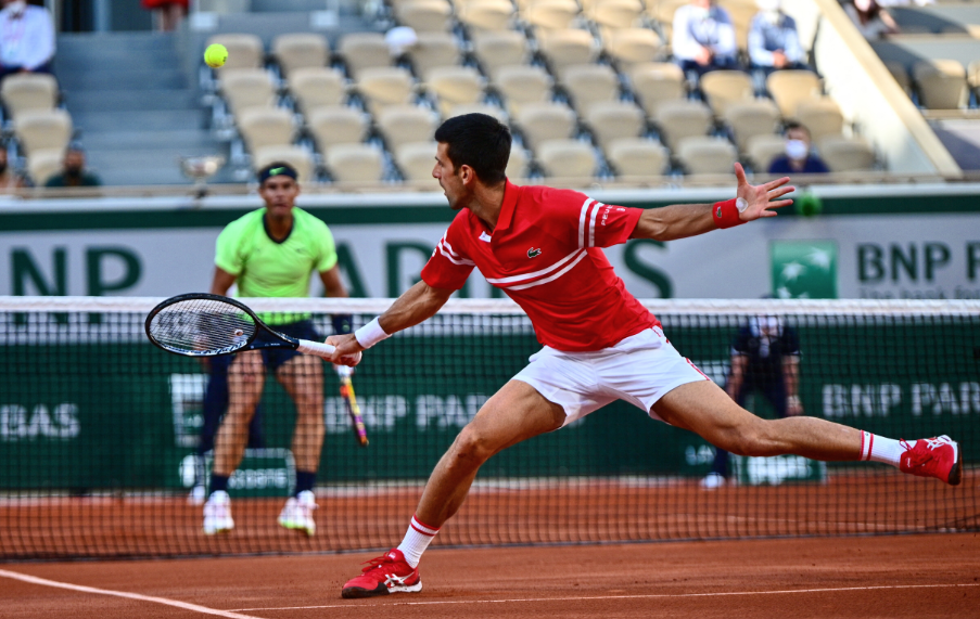 Novak Djokovic venció a Rafael Nadal y jugará la final de Roland Garros.