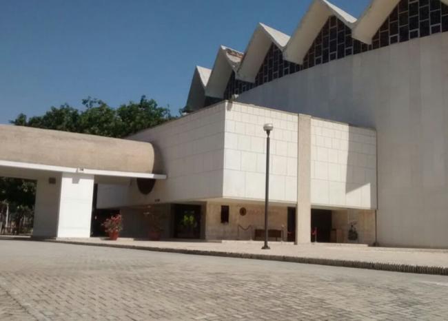 288640_Blu Radio/ Afueras del teatro Amira de la Rosa en Barranquilla. Foto:Blu Radio
