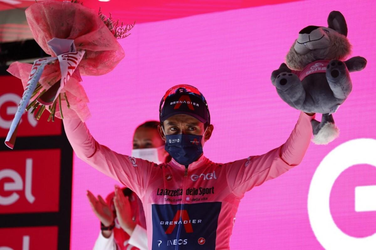 Egan Bernal no afloja y sigue en lo más alto del Giro de Italia