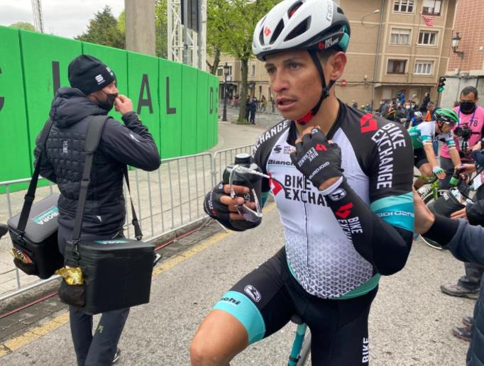 Esteban Chaves ocupa el puesto 30 de la general de la Vuelta al País Vasco.