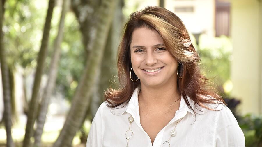 Paola Holguín