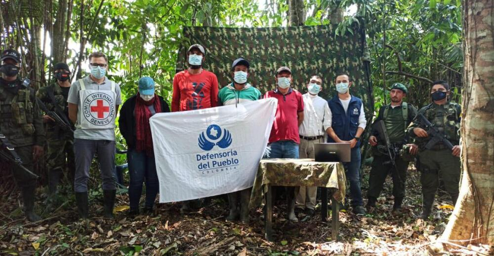Liberan cuatro civiles en el catatumbo.jpg