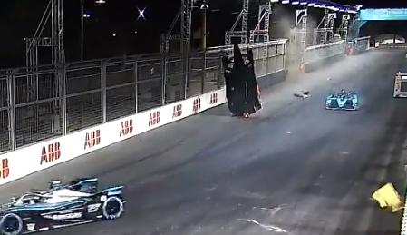 Alex Lynn tuvo terrorífico accidente en la Fórmula E.