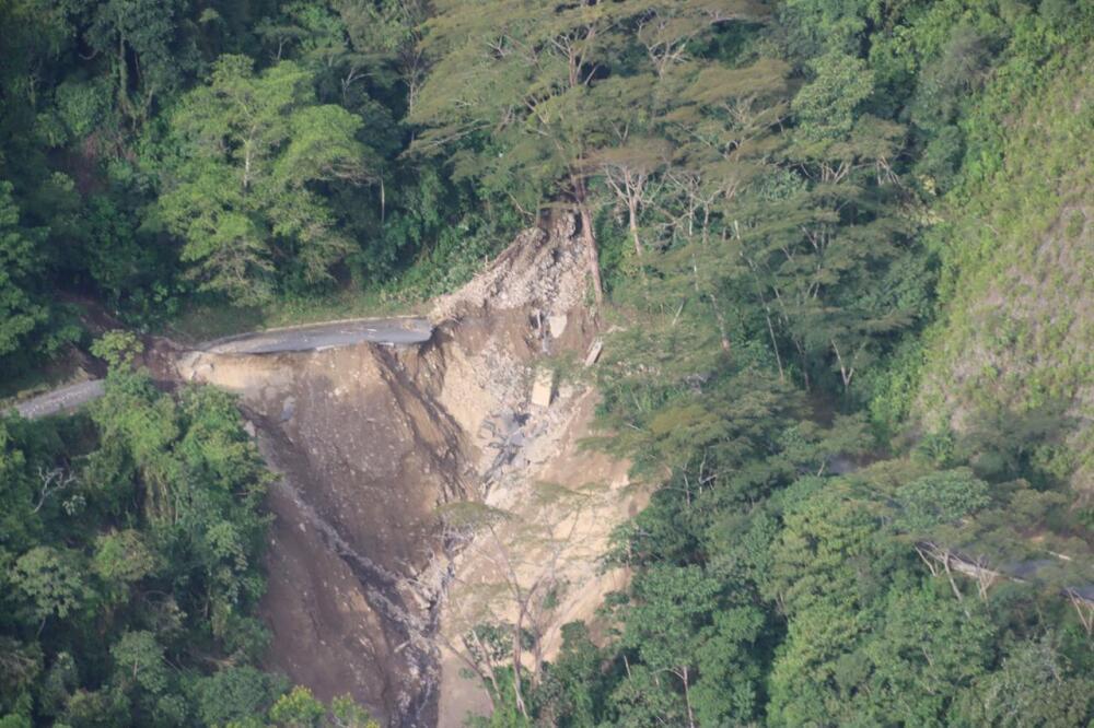 Daños en la vía a Ituango, Antioquia.jpeg