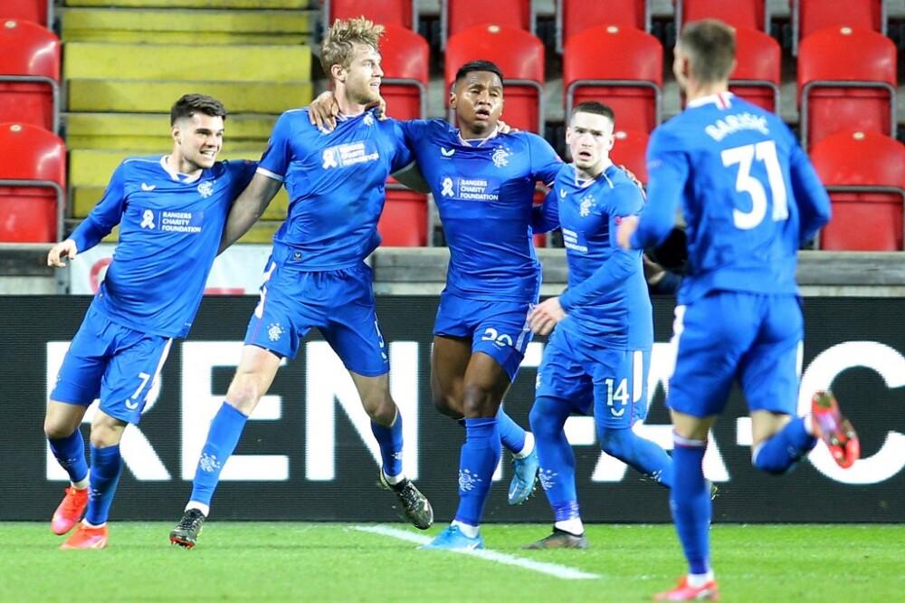 Rangers celebra vs Slavia Praga