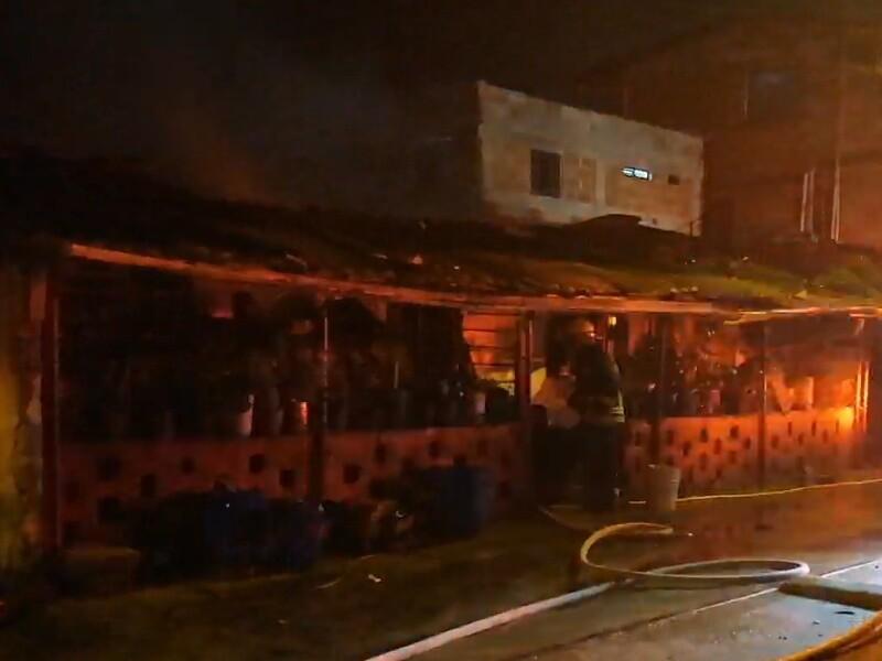 incendian casa de familia de hombre señalado de asesinar a mujer y su bebé de 15 meses