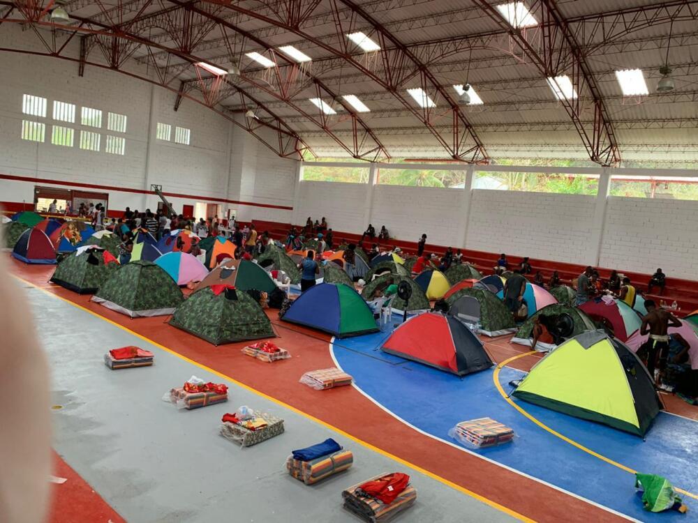 362572_Migrantes en Necoclí durante la cuarentena BLU Radio // Foto: Fundación Brisa y Mar