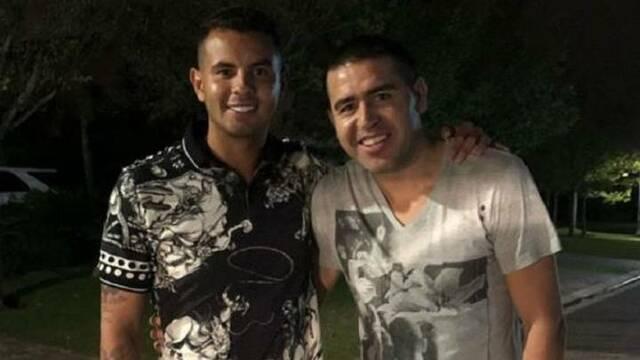 Edwin Cardona y Juan Roman Riquelme