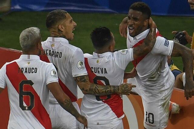 332600_Selección Perú