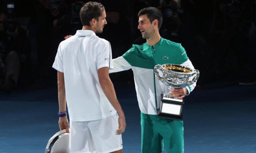 Daniil Medvedev y Novak Djokovic disputaron la final del Abierto de Australia 2021.