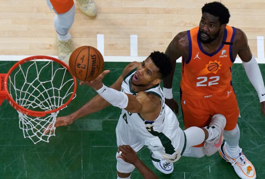 Los Bucks y los Suns están 2-2 en la final de la NBA.