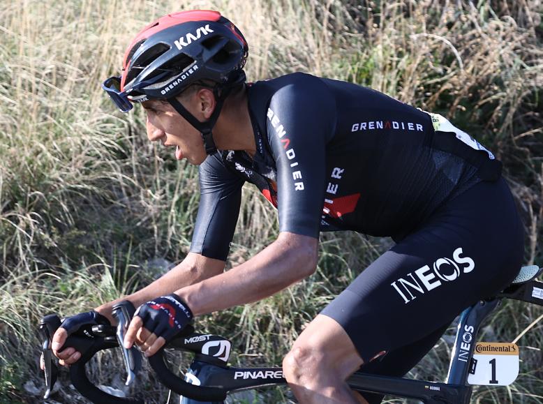 Egan Bernal se retiró del Tour de Francia 2020