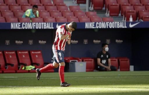 Luis Suárez Atletico Madrid v Granada - La Liga