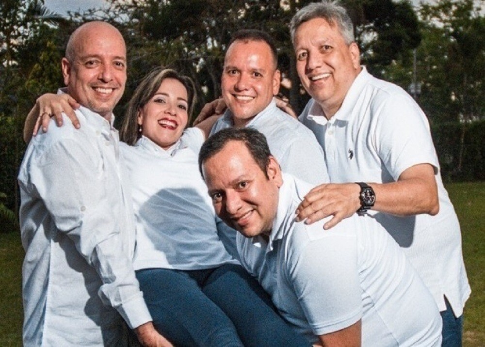 FOTO FAMILIA COVID-19.jpg