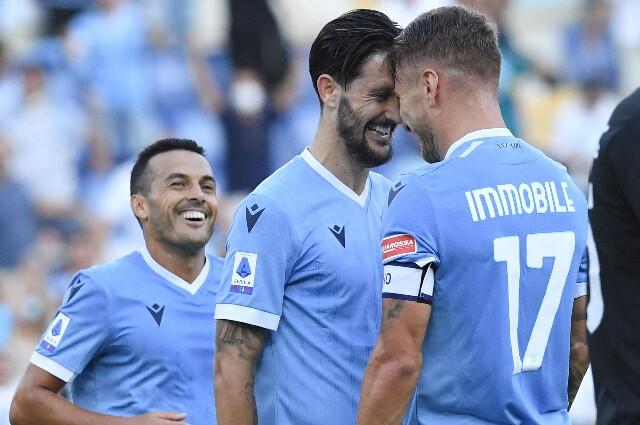 Celebración de Ciro Immobile y Luis Alberto tras gol de Lazio