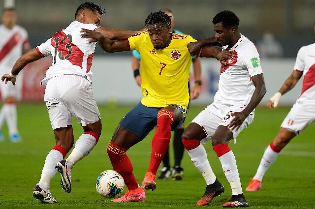 Selección Colombia contra Perú