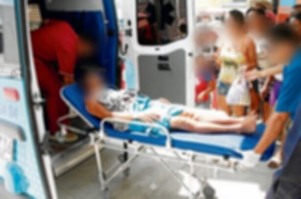 mujer_herida_tercera_edad_mujer_de_la_tercera_edad_herida_ambulancia.jpeg