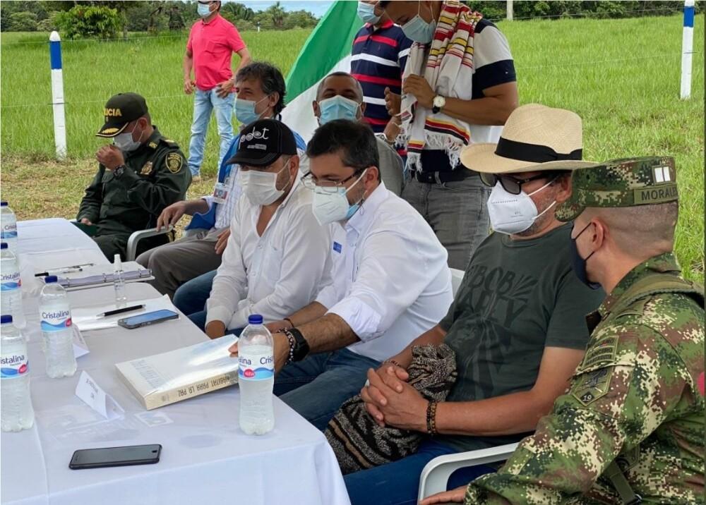 Entrega de 197 hectáreas a excombatientes de las Farc Foto Twitter Pastor_Alape.jpg