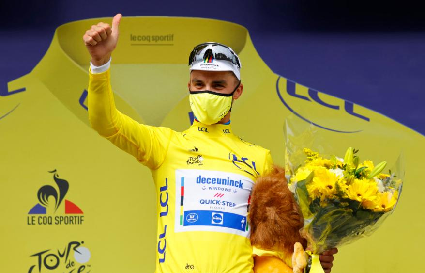 Julian Alaphilippe es el líder del Tour de Francia 2021.