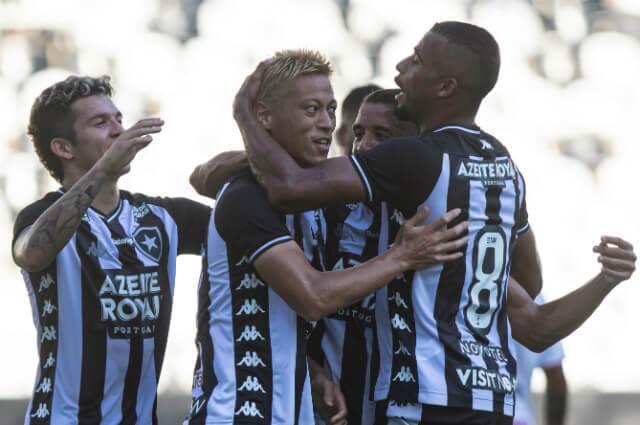 332925_Keisuke Honda, volante Botafogo