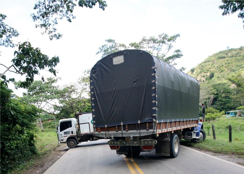 Bloqueos en vías de Colombia Foto AFP (1).jpg