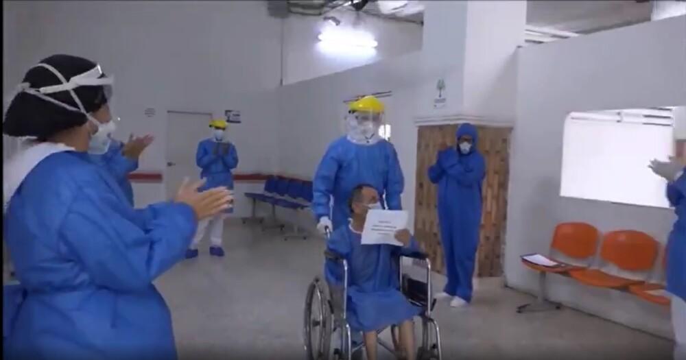 370750_BLU Radio //Personal médico del Hospital General de Barranquilla aplaudieron la recuperación de Giovanni // Foto: Tomada de video