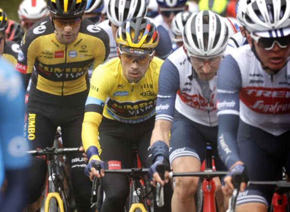 Primoz Roglic se mantuvo líder de la Vuelta al País Vasco tras la etapa 2.