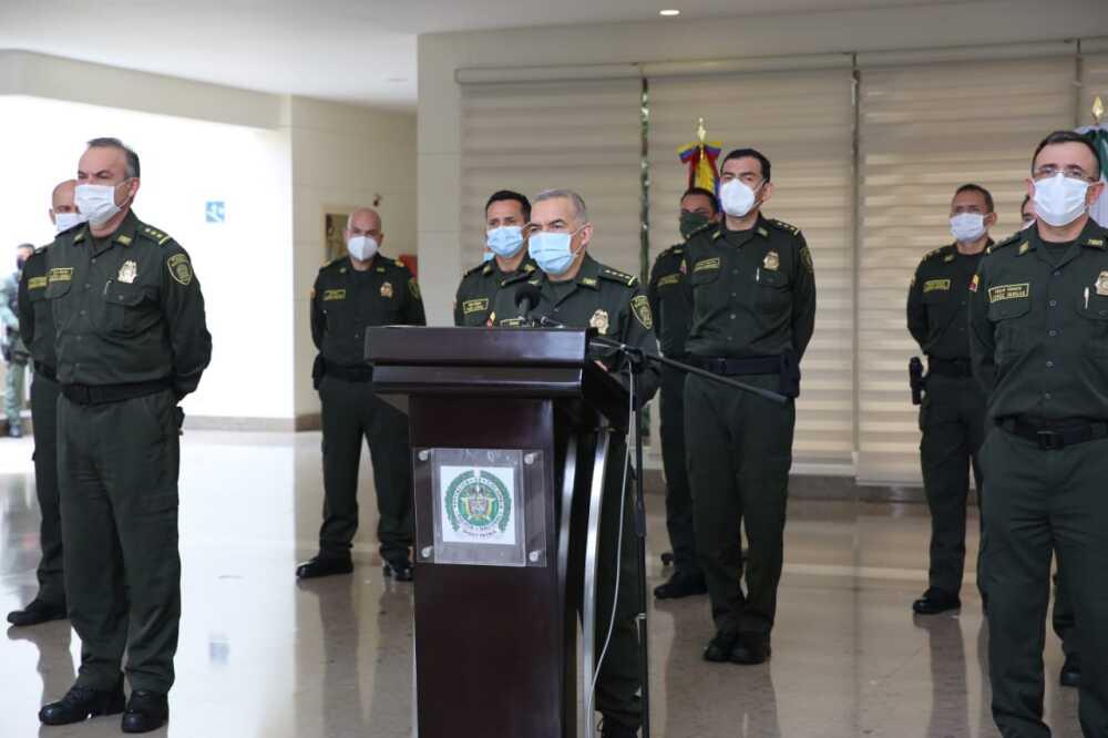 general-oscar-Atehortua-foto-policía nacional de los colombianos.jpeg