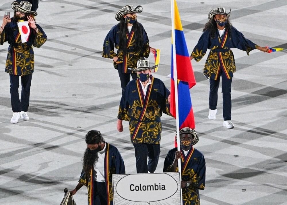 Colombianos en la ceremonia de los Juegos Olímpicos Tokyo 2020 Foto AFP.jpg