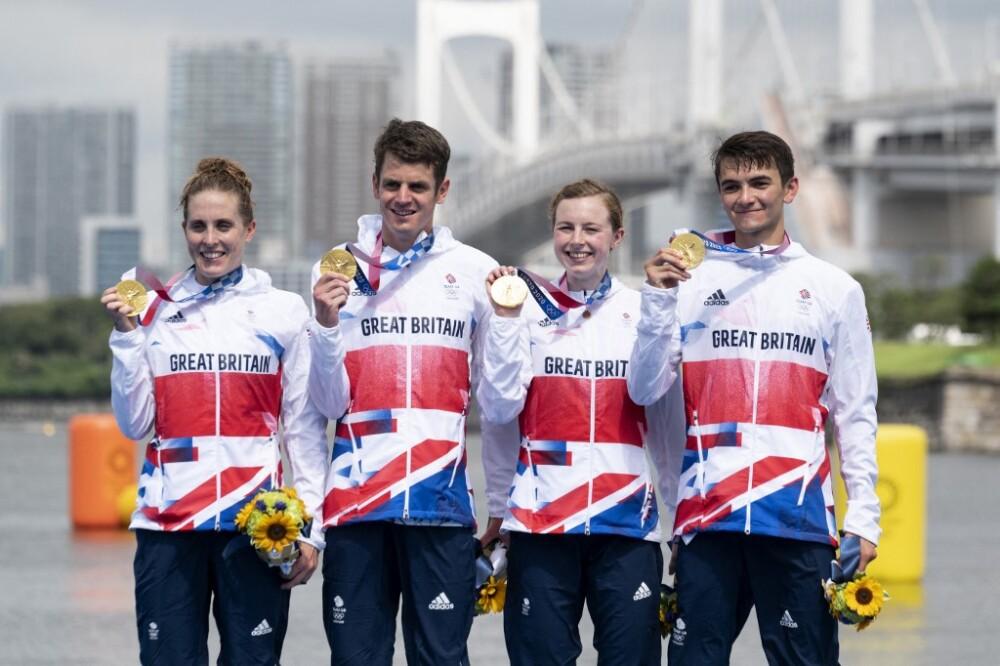 Equipo británico mixto de triatlón