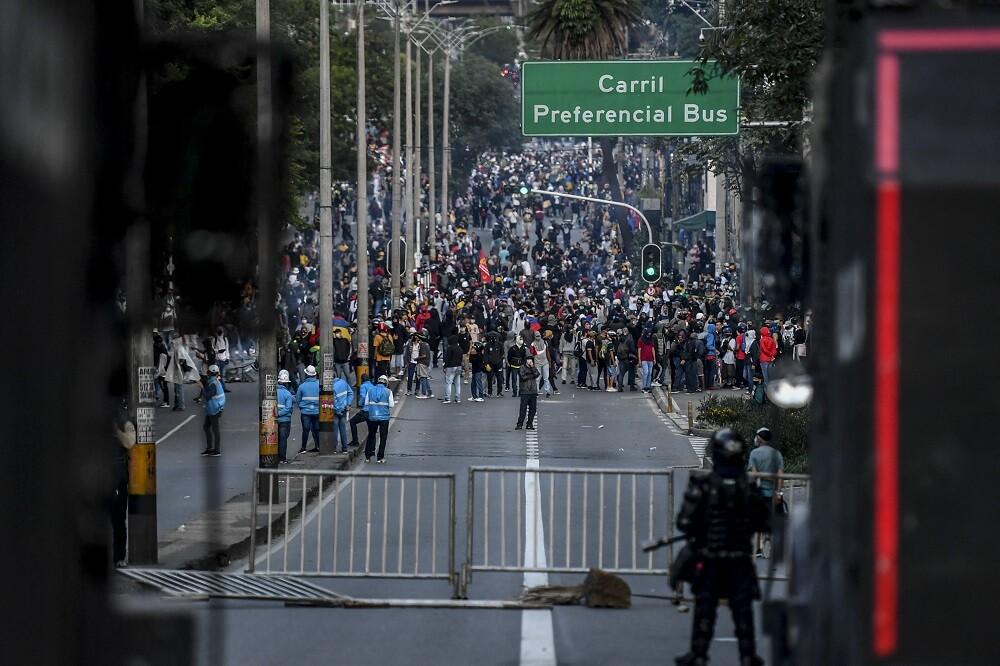 indagan por supuestas amenazas contra primera línea en Medellín