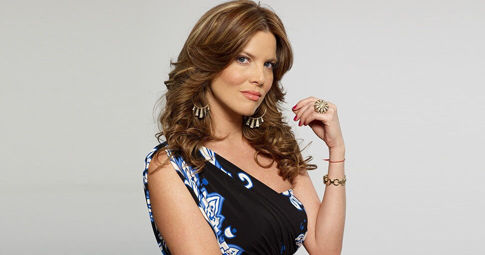 Sarah Mintz es Mónica Camargo