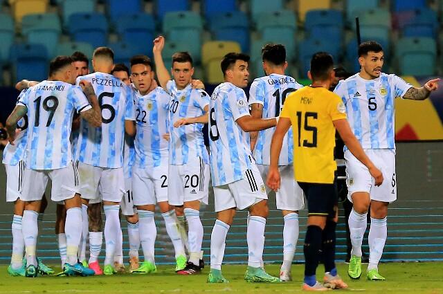 Alineación titular de Argentina contra Colombia