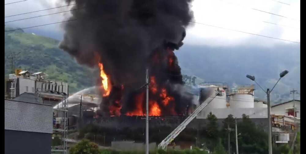 Incendio en fábrica de Girardota - Antioquia.jpeg