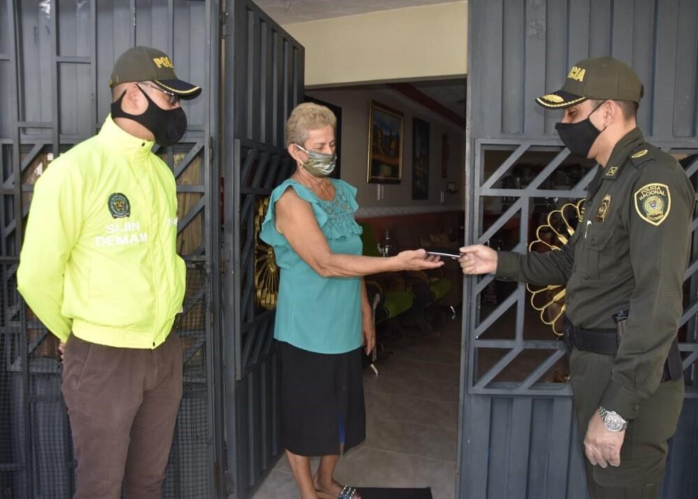 372499_BLU Radio: Entrega celular hurtado Barrancabermeja / Foto: Suministrada
