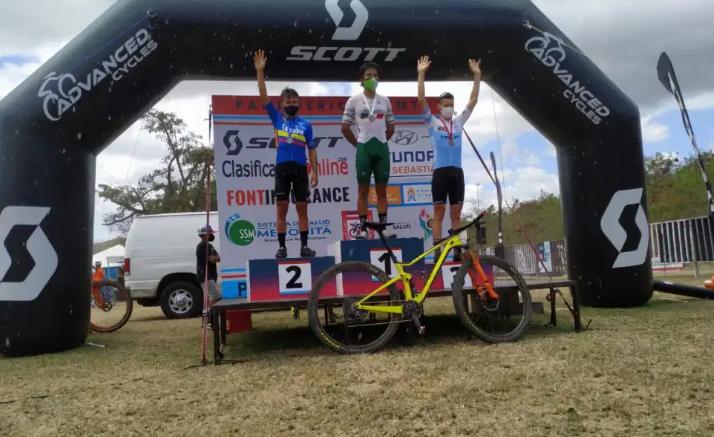 Jhonnatan Botero subió al podio del Campeonato Panamericano de MTB.