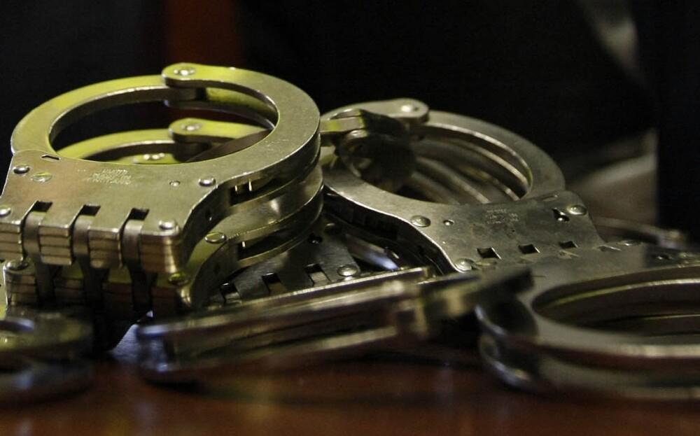 cárcel para mujer que dejó solos a sus hijos para irse de rumba 3 días