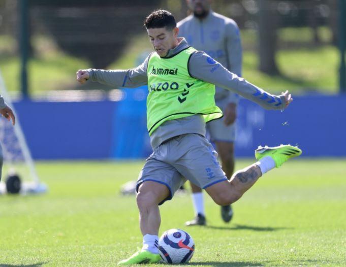 James Rodríguez Entrenamiento Everton 030421 Twitter.JPG