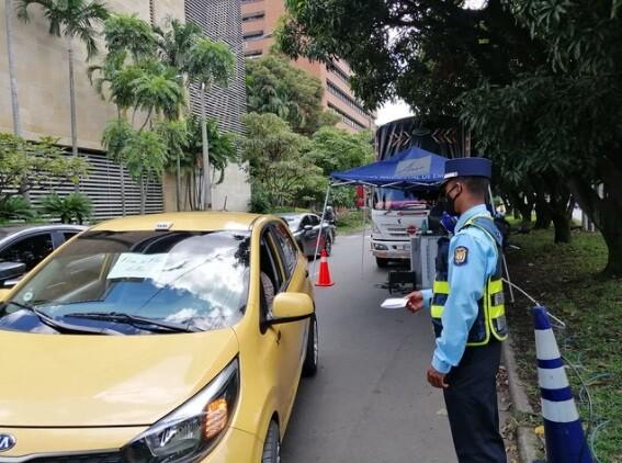 pico y placa para taxis en Medellín.