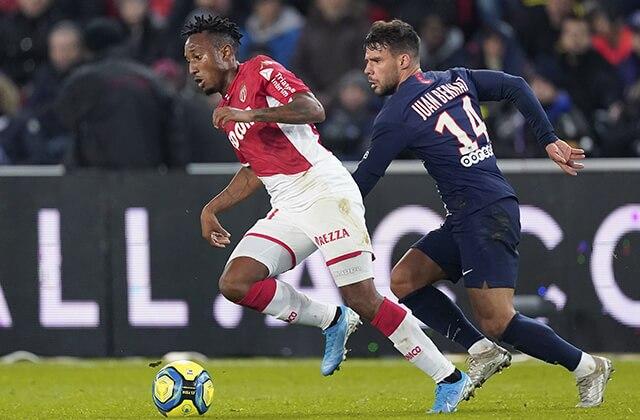 339321_Acción de juego de la Liga de Francia