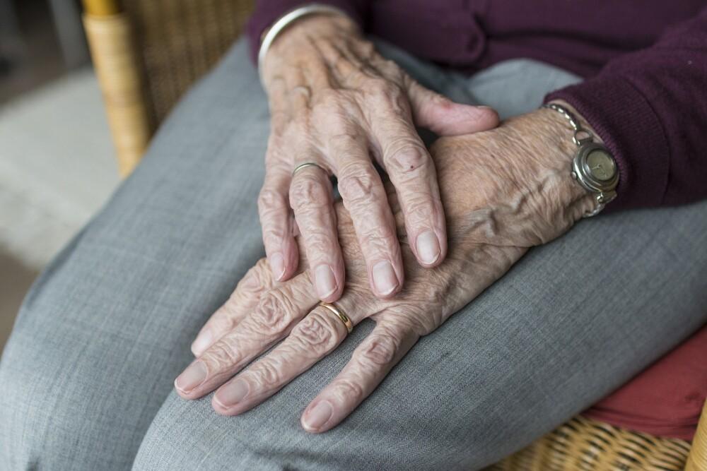 manos de abuelita