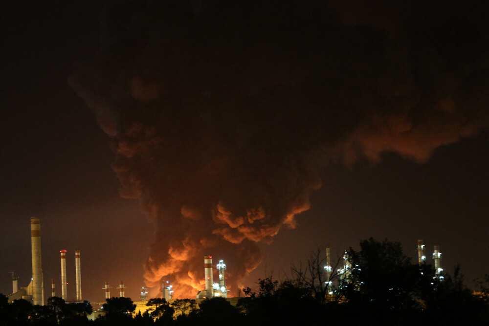 Refinería incendiada en Irán