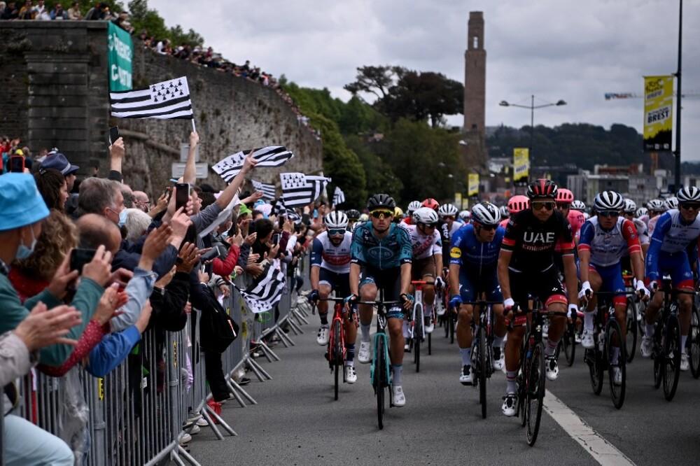 Inicia el Tour de Francia 2021.jpg
