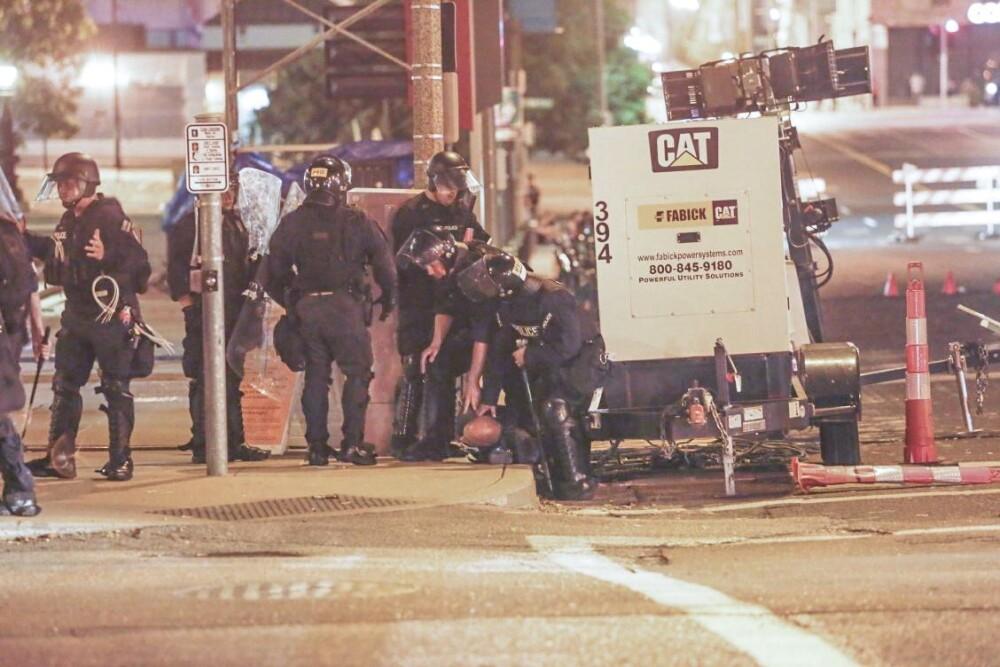 Agresión a policía afroestadounidense encubierto