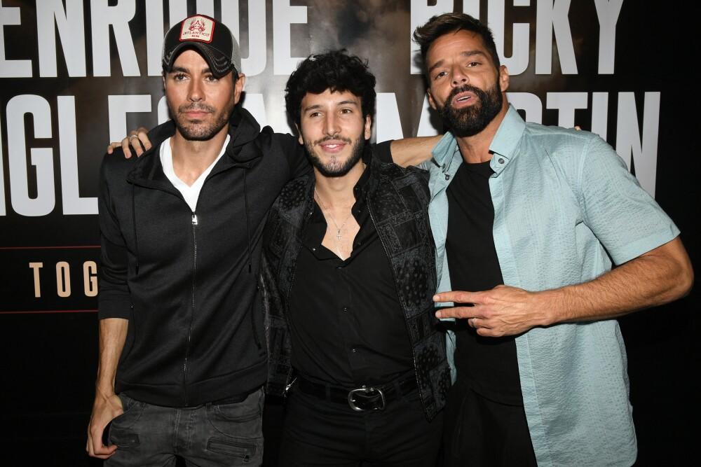 BESTPIX - Enrique Iglesias x Ricky Martin Press Conference