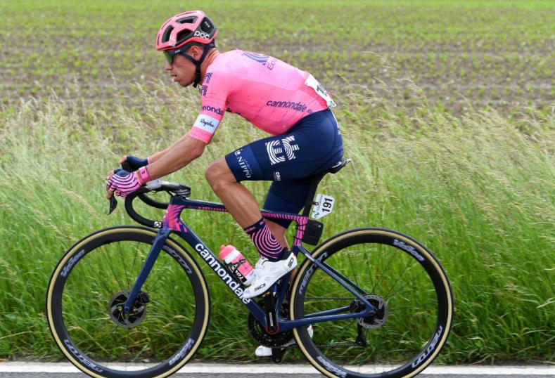 Rigoberto Urán es quinto en la general de la Vuelta a Suiza tras la etapa 5.