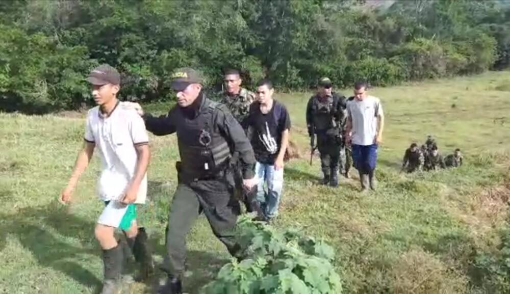 jóvenes rescatados en el Bajo Cauca.jpg