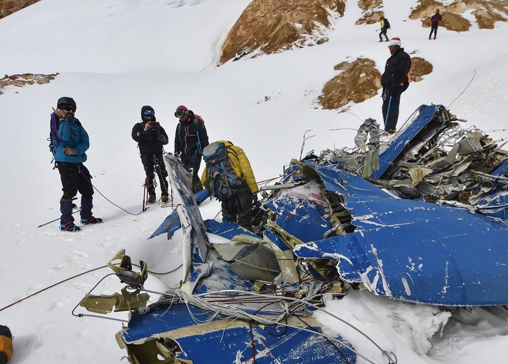 escaladores encontraron restos de avion en el nevado del huila.jpg